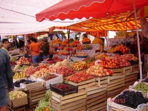 Рынок в Чолпон-Ате, Иссык-Куль, Киргизия. Фото: Яндекс.Фотки / mikhail.pl