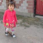 Девочка в Чолпон-Ате
