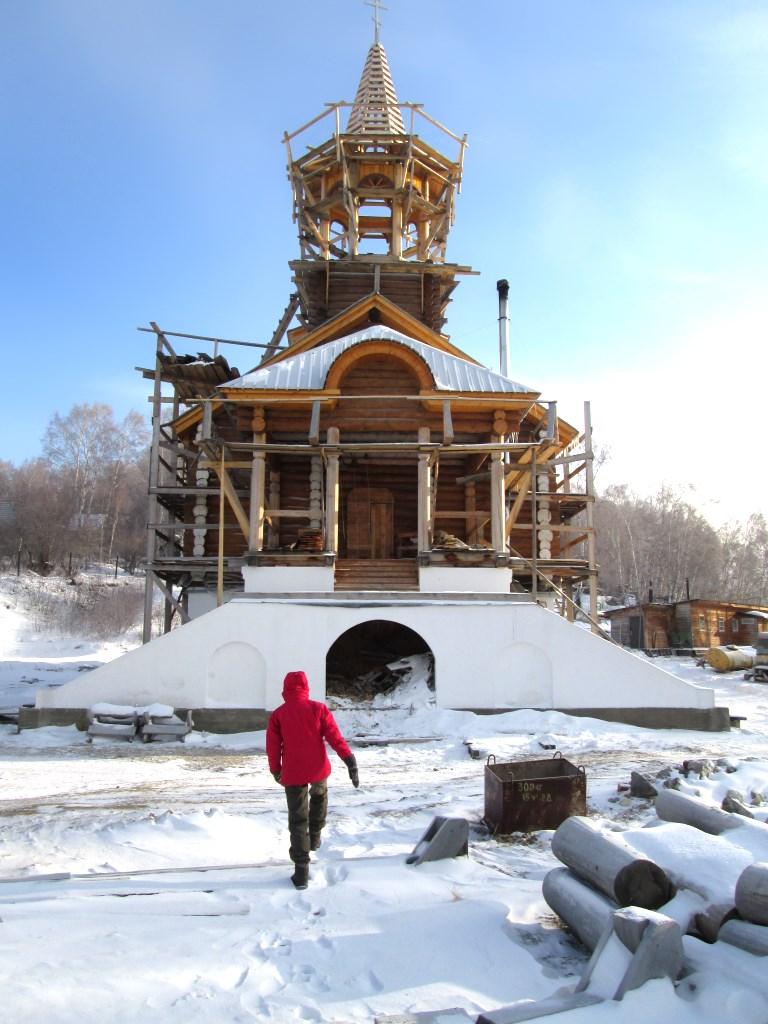 Строящаяся церковь, Порт-Байкал, ноябрь 2015