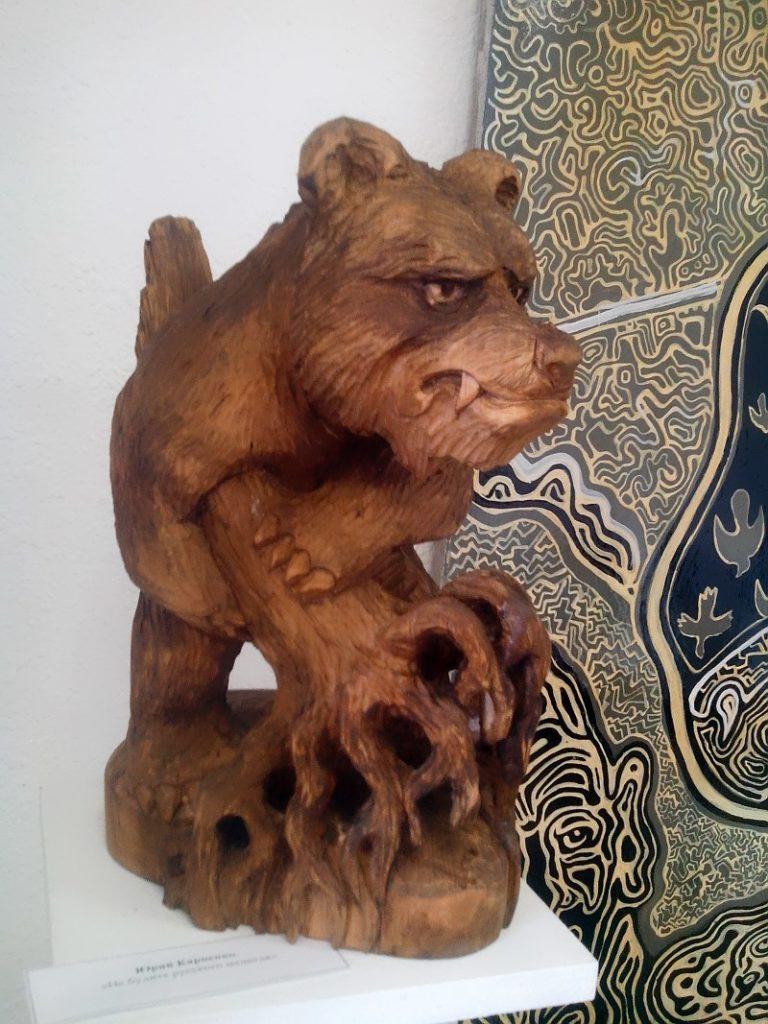 Деревянная скульптура Юрия Карпенко