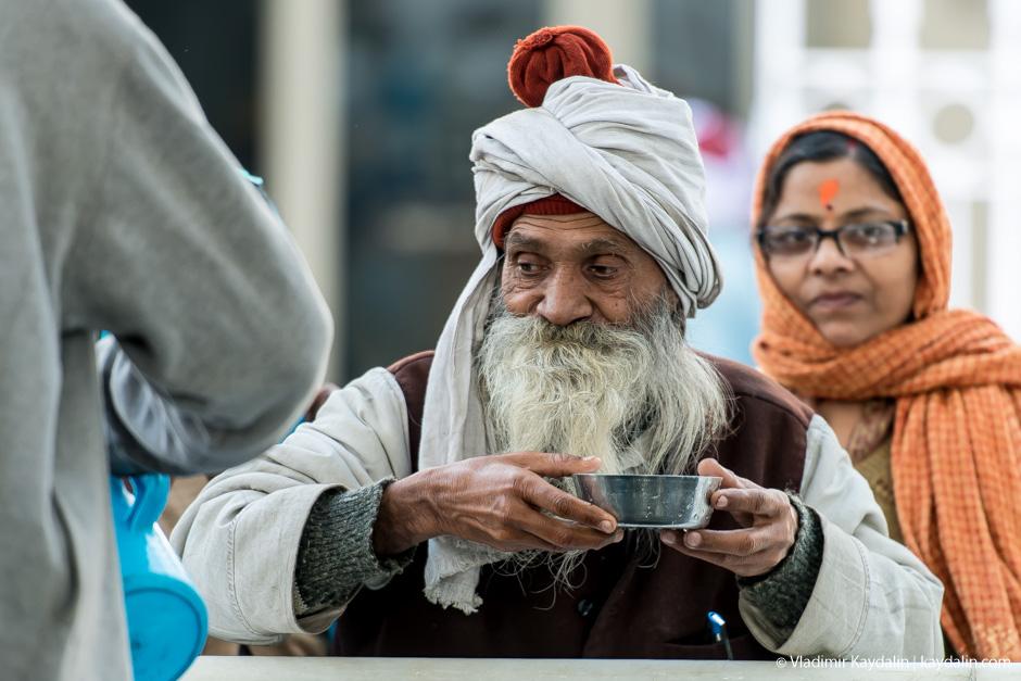 Индуисты на улице в Дели. Фото: Владимир Кайдалин / kaydalin.com